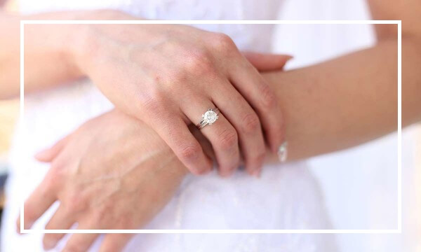 Woman engagement ring Bespoke Engagement Rings Dublin Ireland
